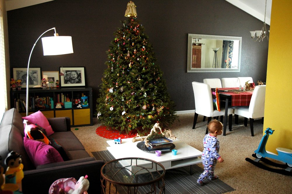 christmas-decor-with-kids.jpg