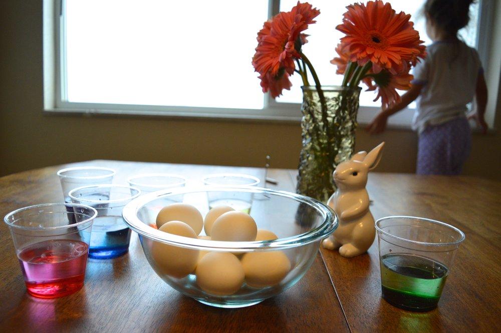 egg-dying-1.jpg