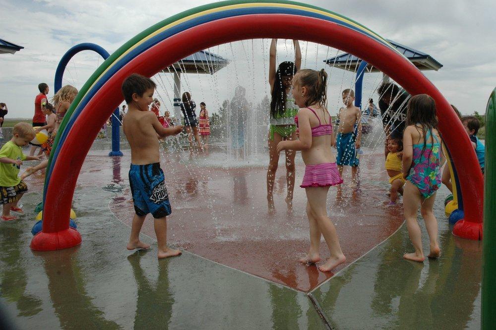 splash red arch