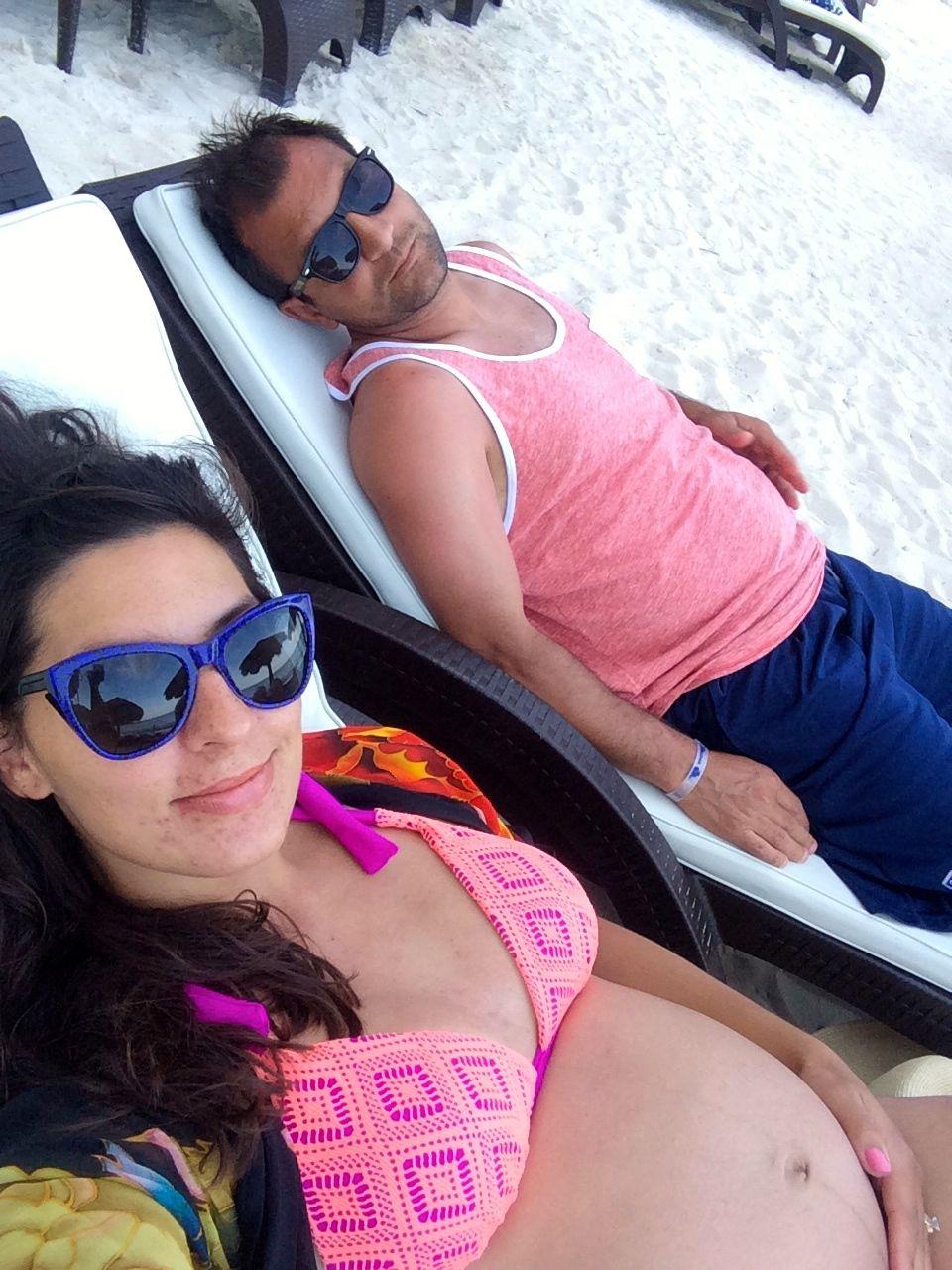 bm beach selfie