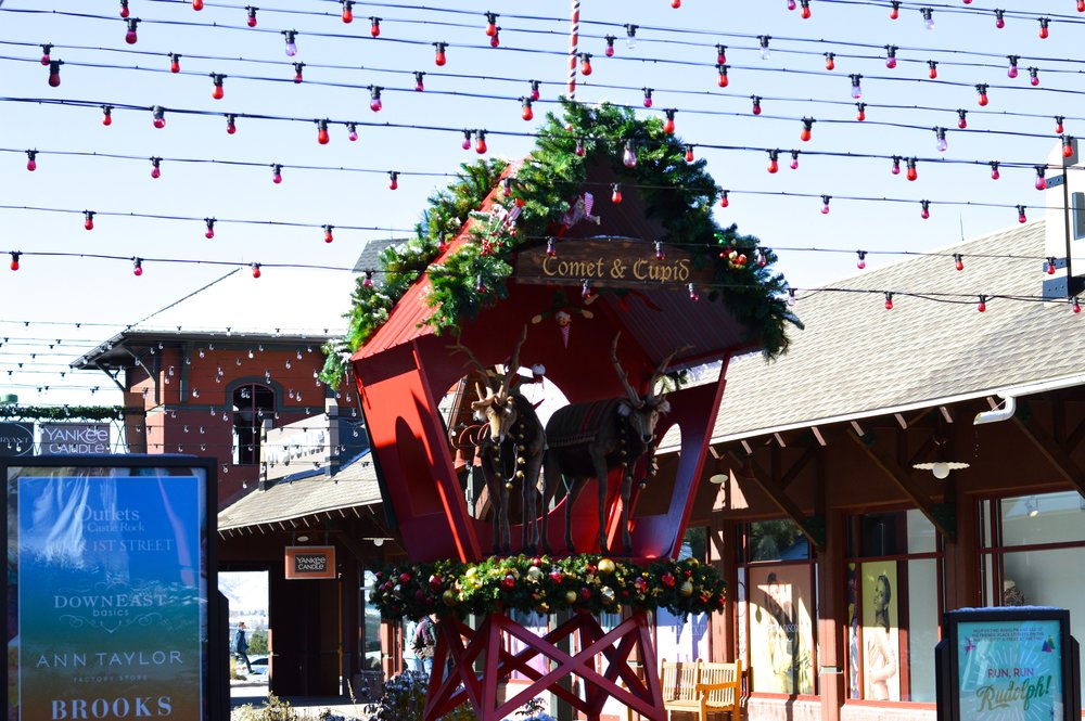 Castle Rock Outlets Santa 11.jpg