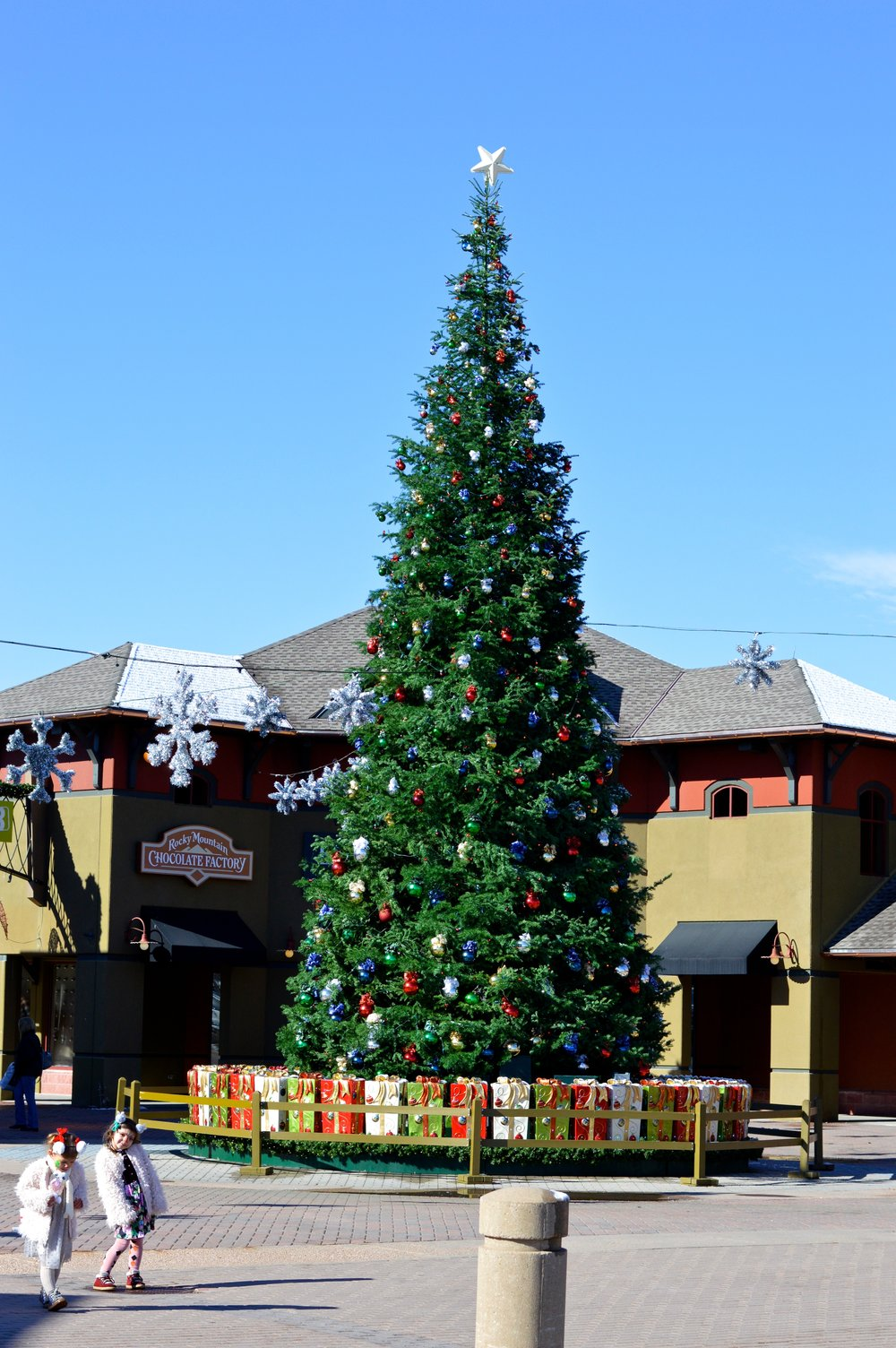 Castle Rock Outlets Santa 29.jpg
