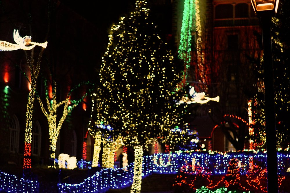 Colorado Hotel Glenwood Springs at Christmastime 31.jpg