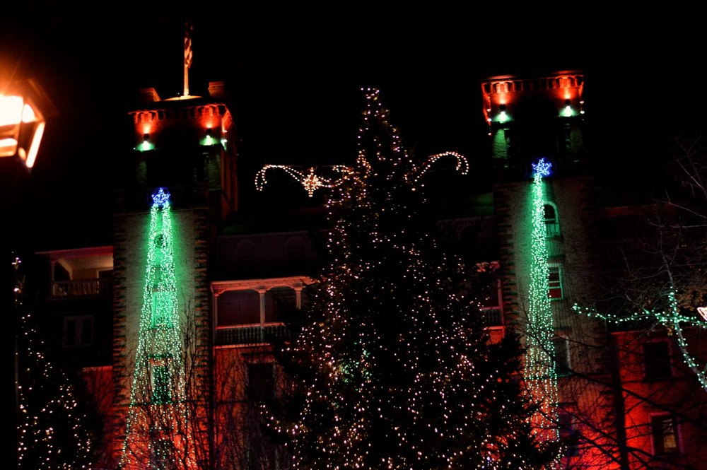 Colorado Hotel Glenwood Springs at Christmastime 32.jpg