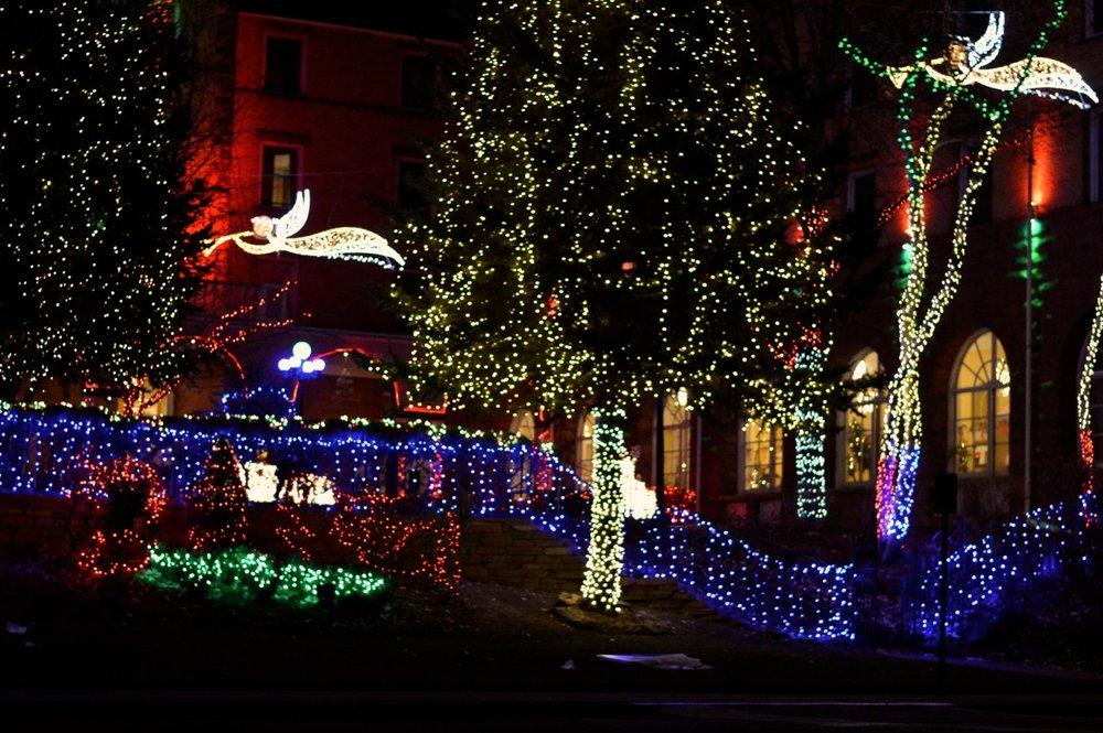 Colorado Hotel Glenwood Springs at Christmastime 36.jpg