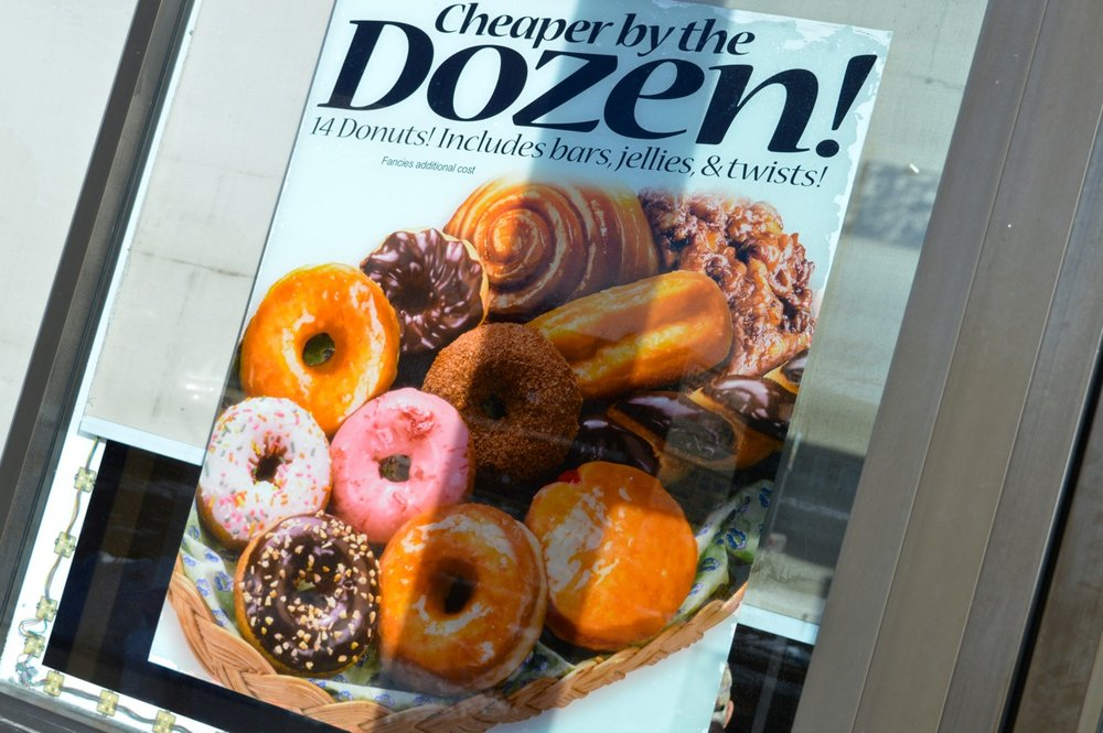 Winchells Donut Aurora 4.jpg
