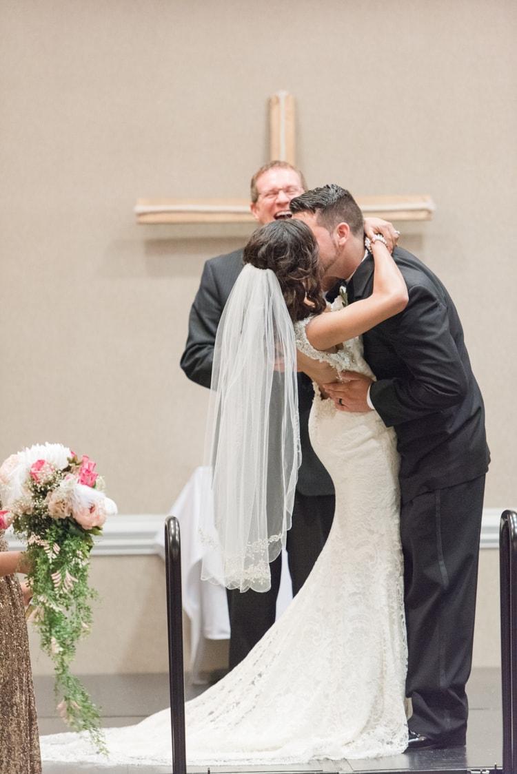 crowne-plaza-greenville-south-carolina-wedding-11-min.jpg