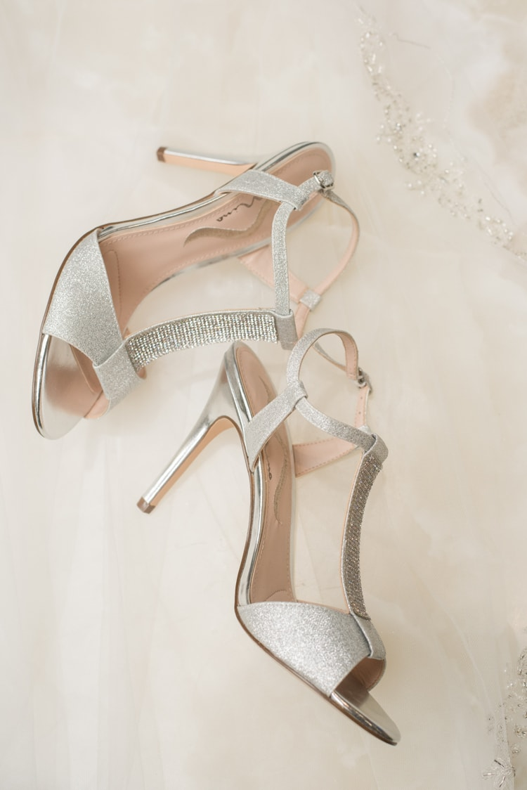 crowne-plaza-greenville-south-carolina-wedding-4-min.jpg