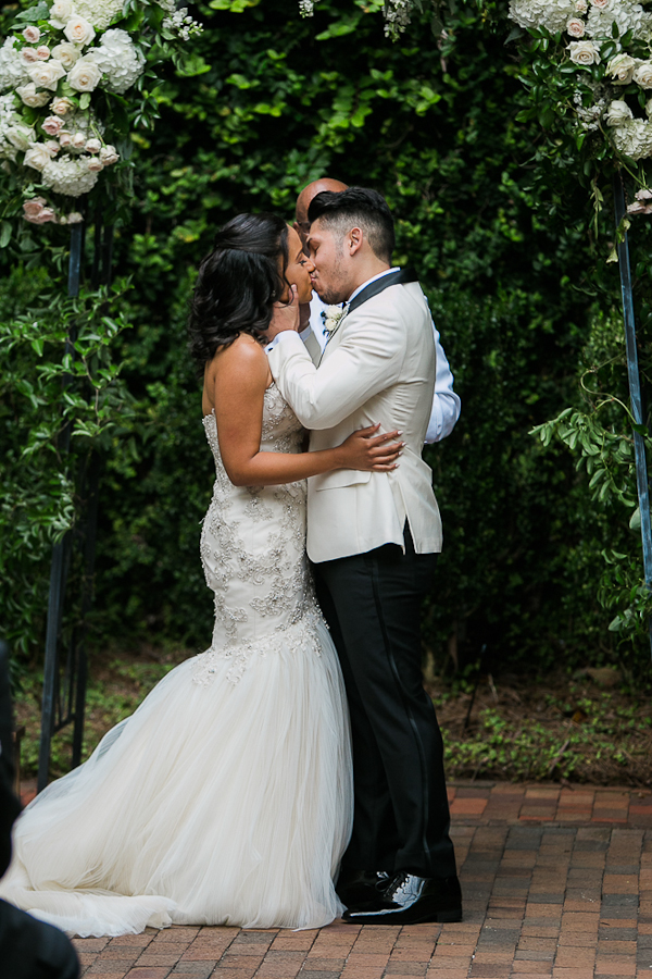 the-atrium-wilmington-nc-wedding-photos-41.jpg