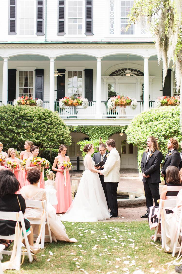 GOVERNOR-THOMAS-BENNETT-HOUSE-WEDDING_-18.jpg
