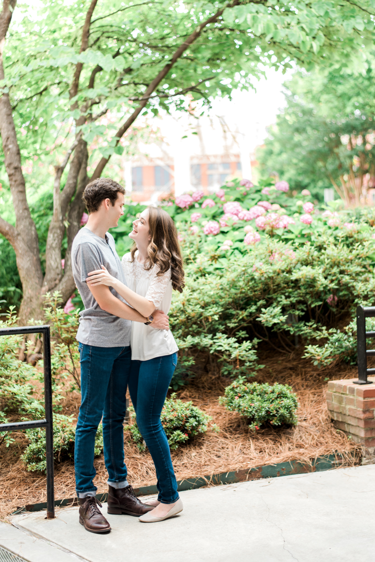 downtown-durham-north-carolina-engagement-photos-2.jpg