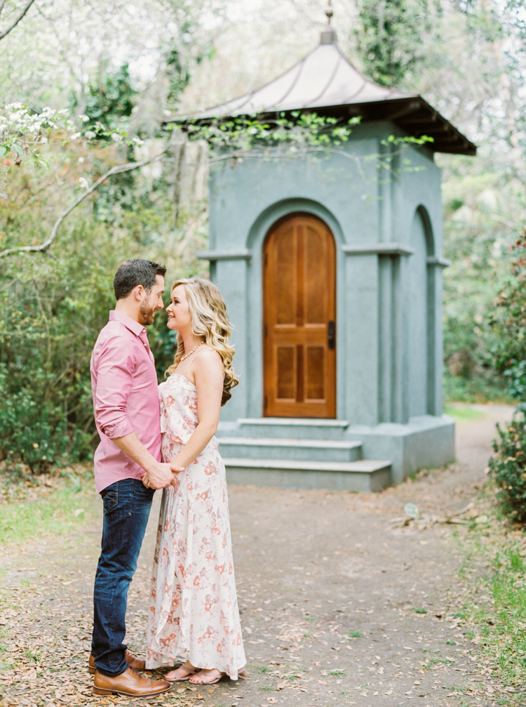 magnolia-plantation-and-gardens-charleston-engagement-8.jpg