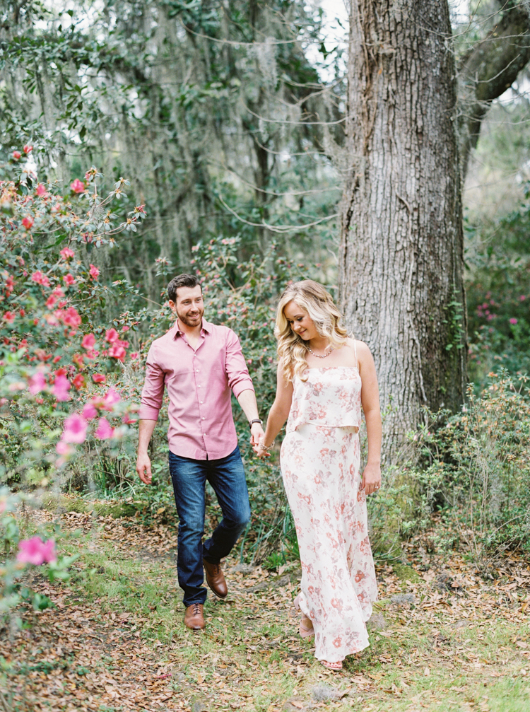 magnolia-plantation-and-gardens-charleston-engagement.jpg