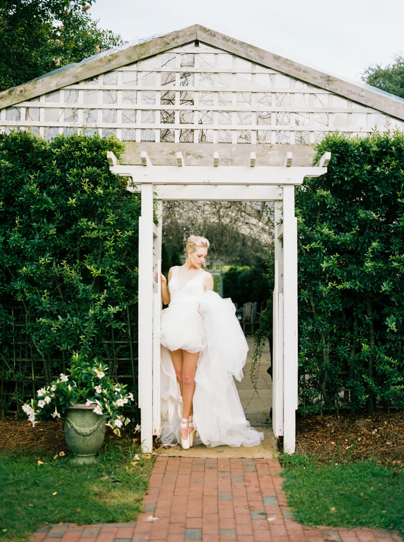 emerald-isle-nc-ballerina-shoot-watson-house_-10.jpg
