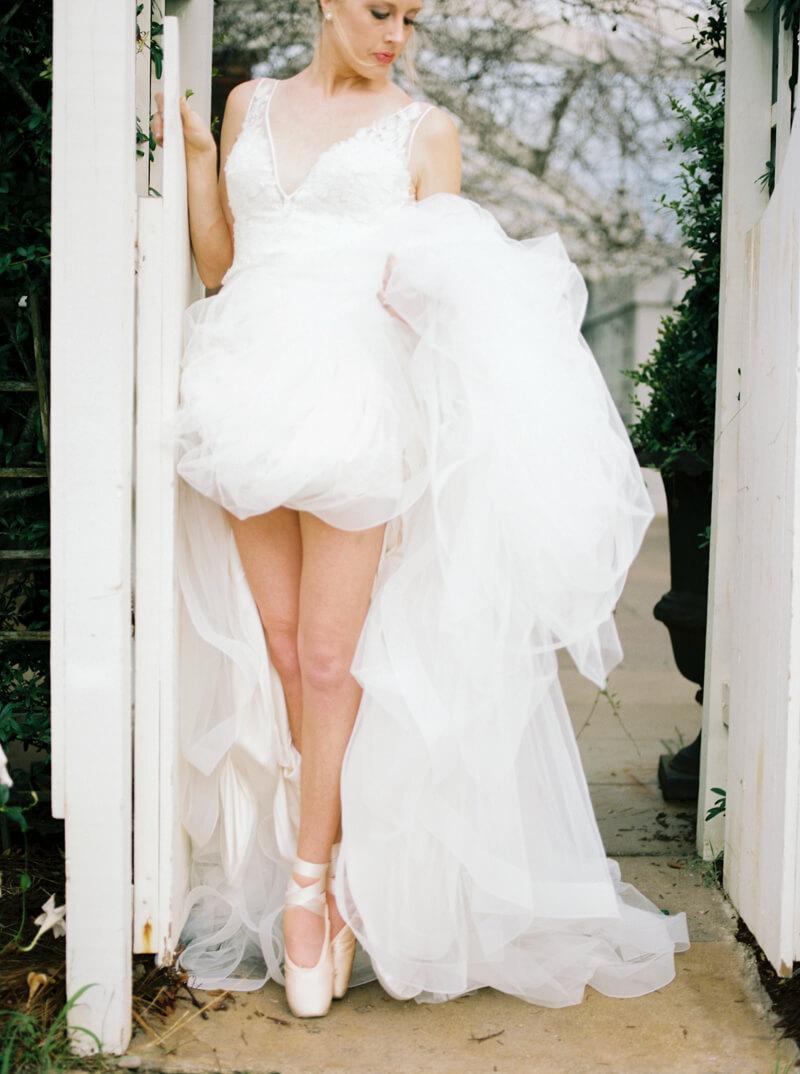 emerald-isle-nc-ballerina-shoot-watson-house_-11.jpg