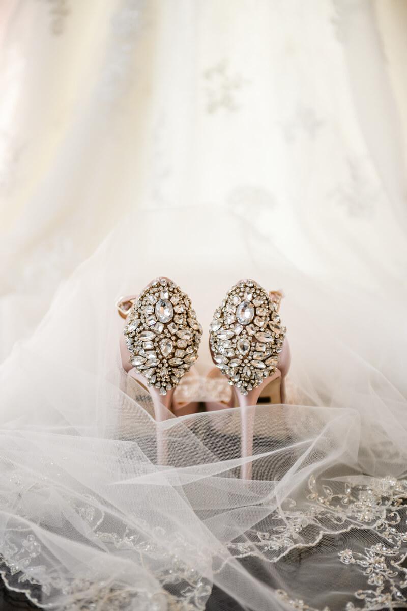 doubletree-by-hilton-raleigh-wedding-photos.jpg