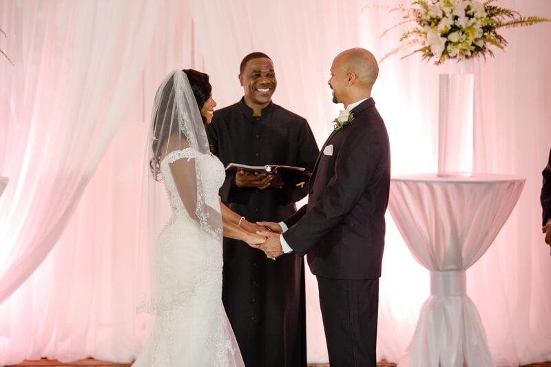 doubletree-by-hilton-raleigh-wedding-photos-7.jpg