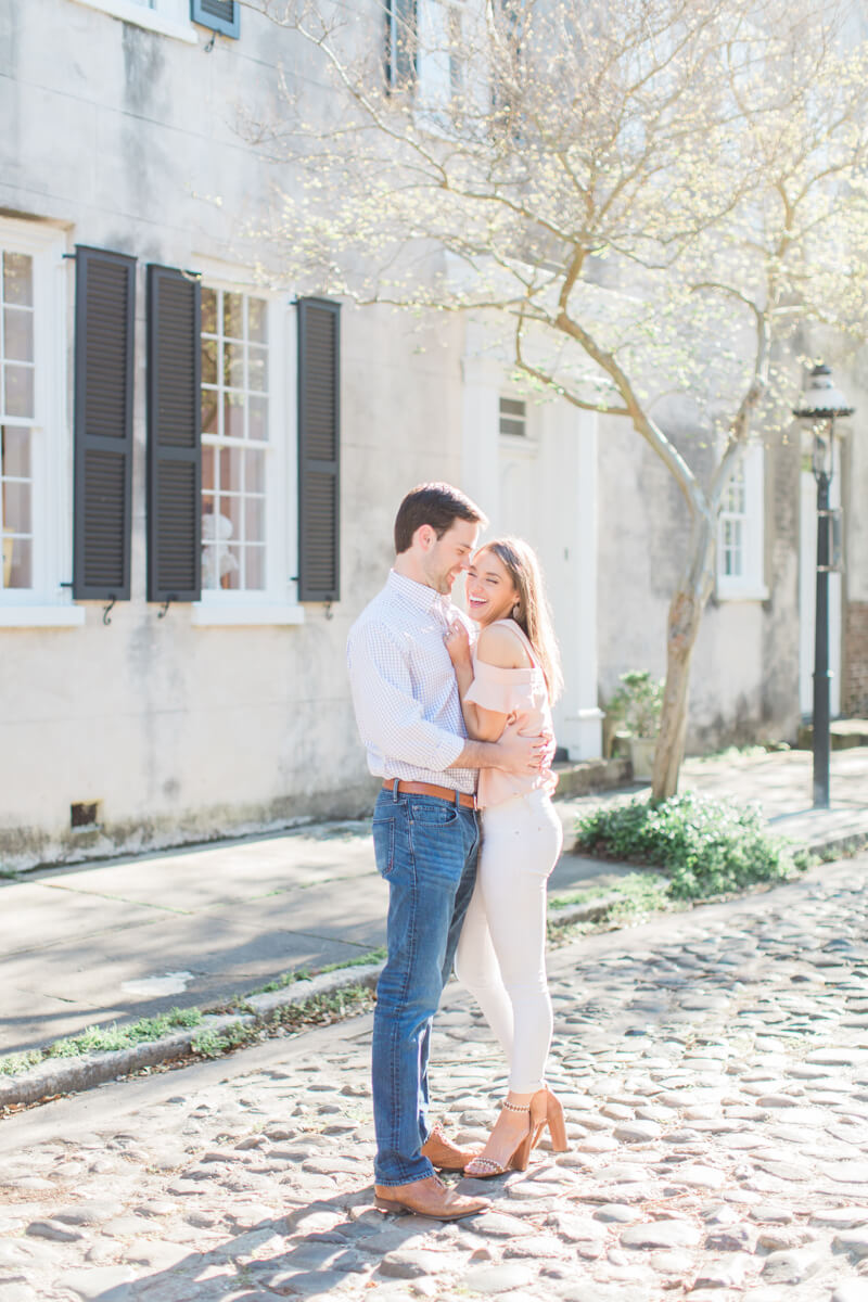 modern-charleston-sc-engagement-photos-4.jpg