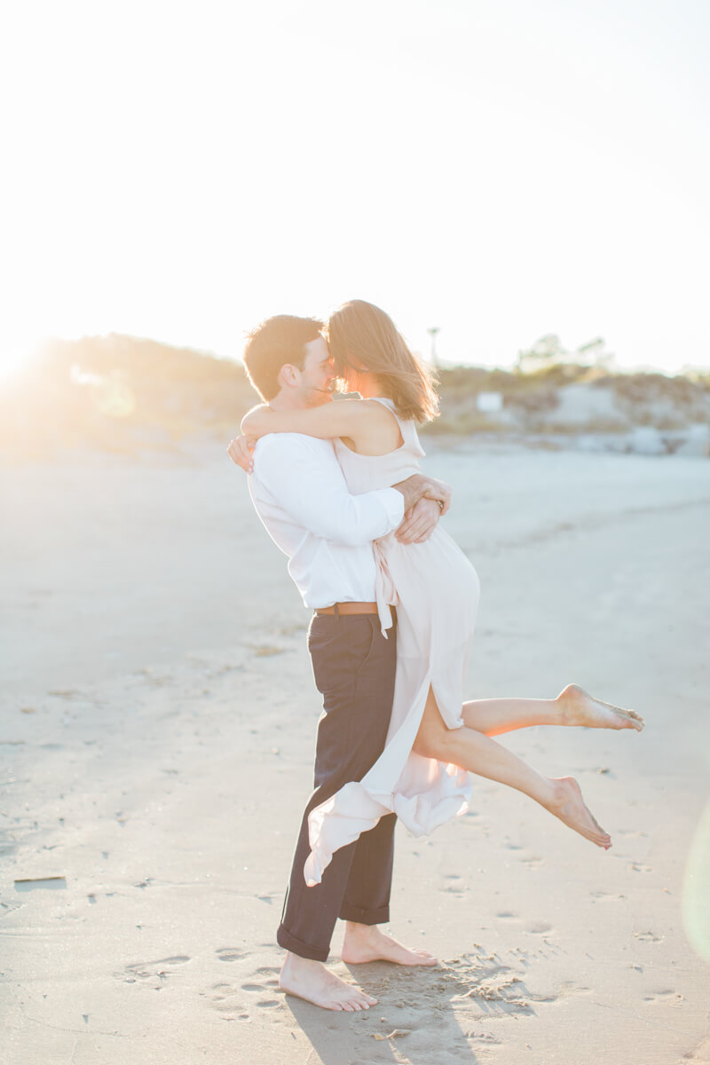 modern-charleston-sc-engagement-photos-12.jpg