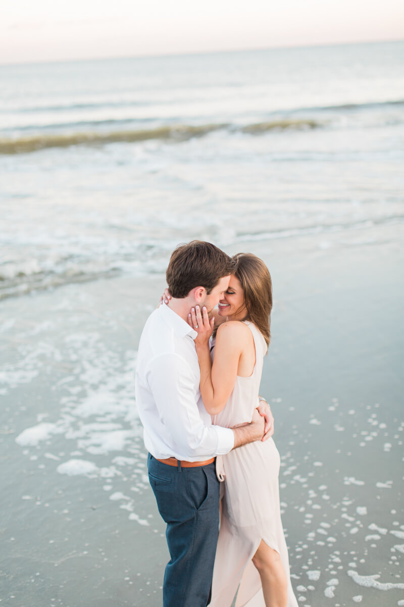 modern-charleston-sc-engagement-photos-14.jpg