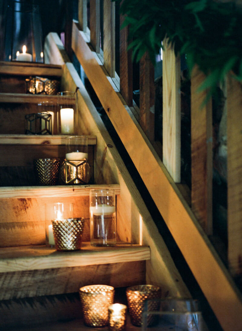 decorate-stairs-for-your-wedding-in-carolina-3.jpg