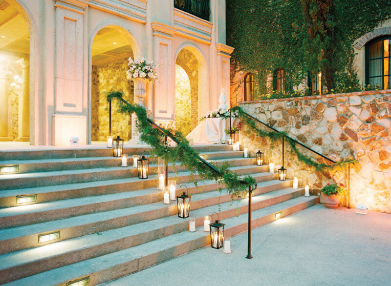 decorate-stairs-for-your-wedding-in-carolina-5.jpg
