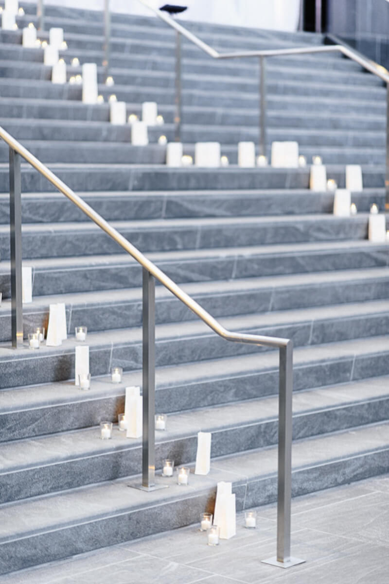 decorate-stairs-for-your-wedding-in-carolina-6.jpg