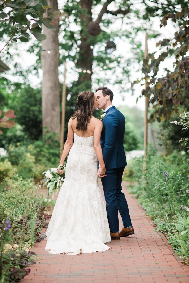 outdoor-garden-wedding-11.jpg