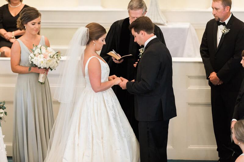 traditional-southern-wedding-10.jpg
