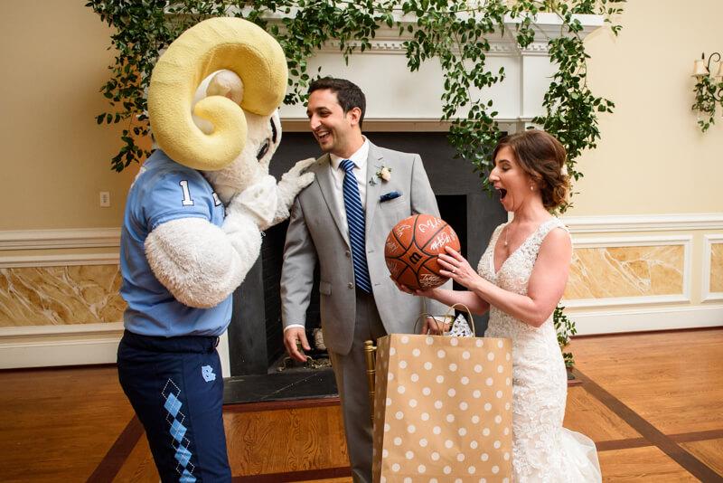 fall-nashville-nc-wedding-photos-16.jpg