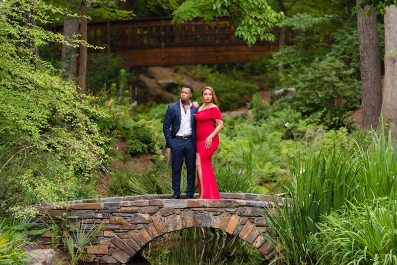 sarah-p-duke-gardens engagement-3.jpg