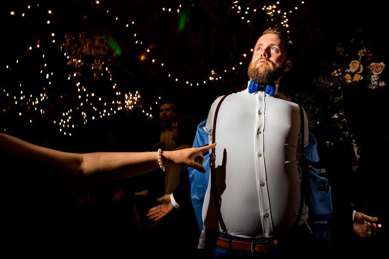 artistic-emerald-isle-wedding-photos-35.jpg