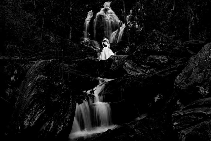 artistic-emerald-isle-wedding-photos-36.jpg