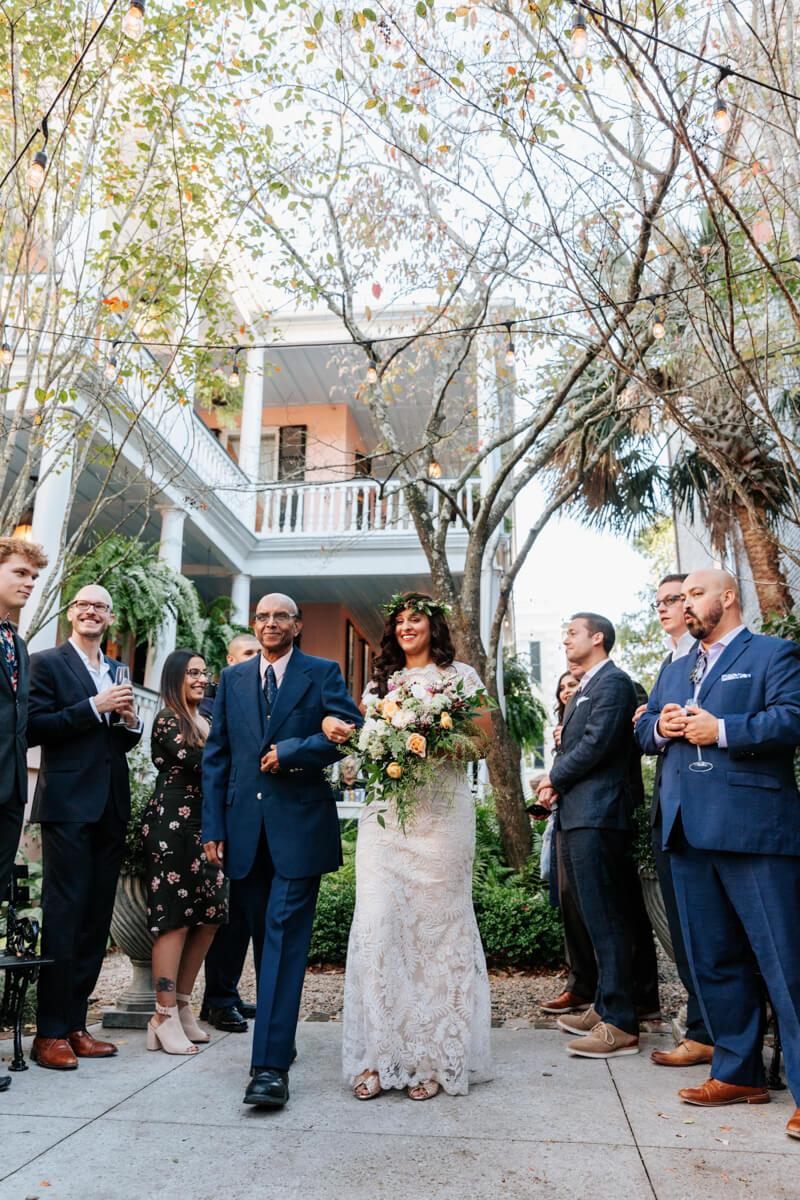 downtown-charleston-wedding-photos-14.jpg