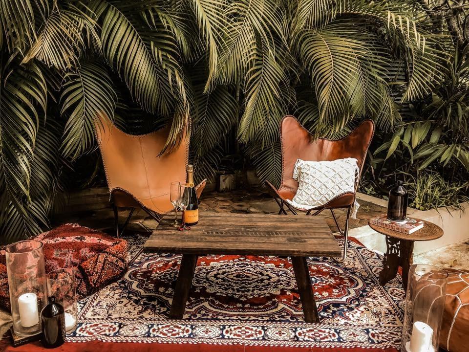Mingle lounge for hENS