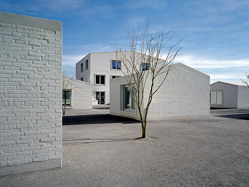 the_tree_mag-school-extension-in-rschlikon-by-ramser-schmid-30