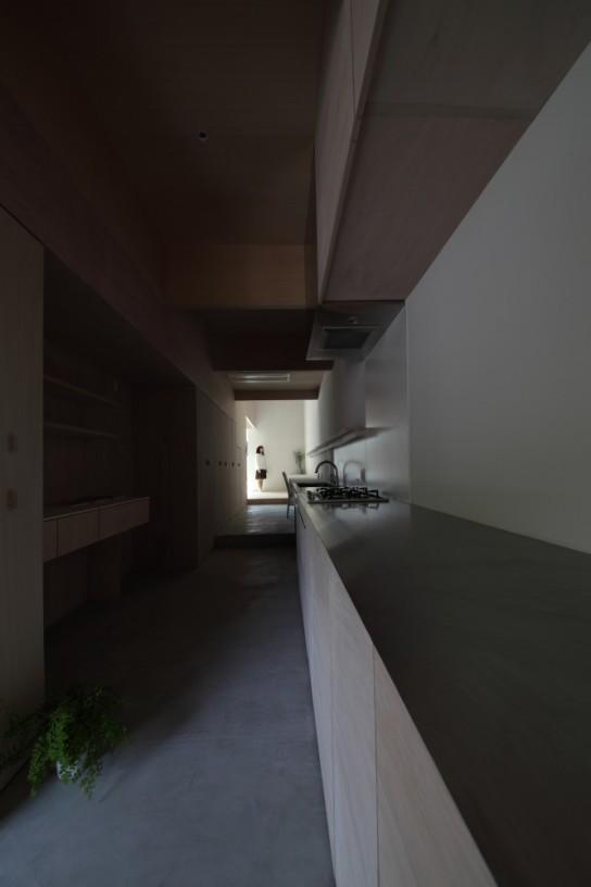 archaic_09_house-in-hanekita-katsutoshi-sasaki-associates__mg_2825-666x1000