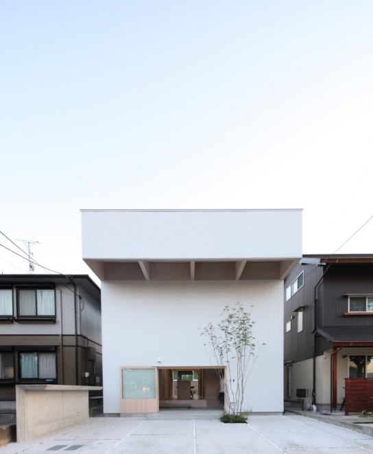archaic_15_house-in-hanekita-katsutoshi-sasaki-associates__mg_3835-821x1000