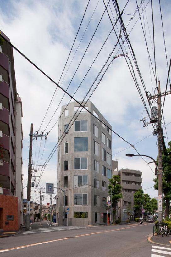 archaic_Suppose Design Office . Apartment in Numabukuro . Tokyo