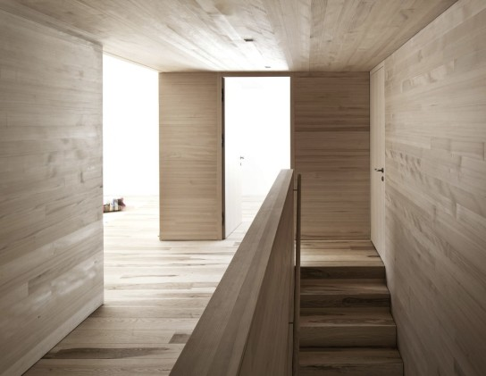 52ddba6ee8e44e9f1400002f_haus-fontanella-bernardo-bader-architects_09-1000x774