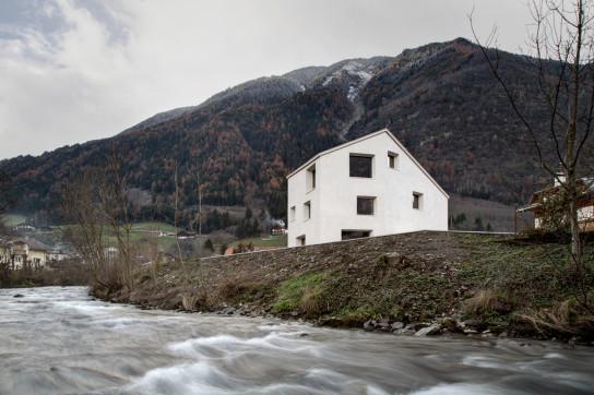 archaic_Haus am Mühlbach_pedevilla13