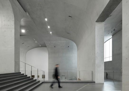 archaic_Long Museum West Bund _ Atelier Deshaus 5
