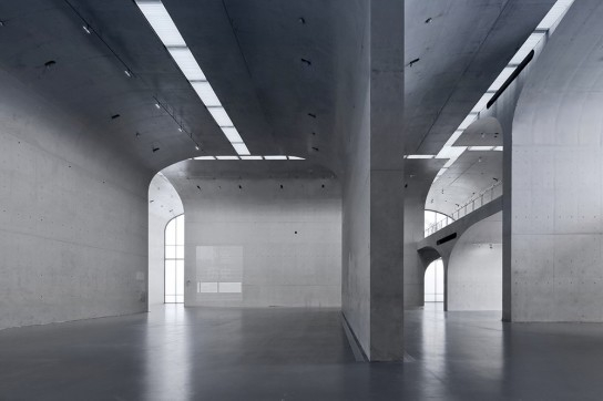 archaic_Long Museum West Bund _ Atelier Deshaus 9