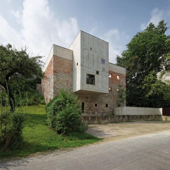 54c998c1e58ece5c5e0001eb_garden-house-refugium-laboratorium-klausur-hertl-architekten_portada_gardenhouse_01_hertl_ebenhofer-1000x1000