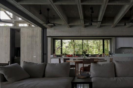 archaic_Tropical Box House::WHBC Architects04