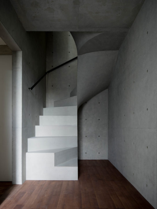 archaic_Kazunori-Fujimoto_House-in-Nagae1-544x725.jpg