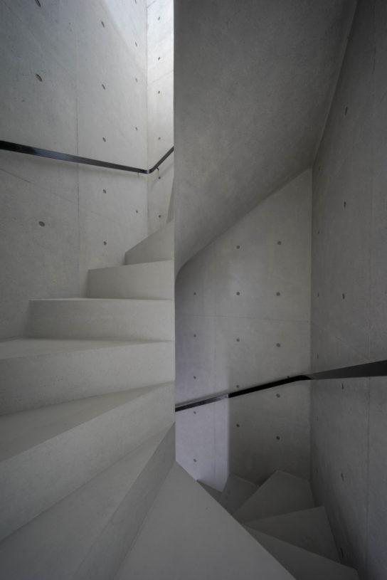 archaic_Kazunori-Fujimoto_House-in-Nagae7-544x815.jpg