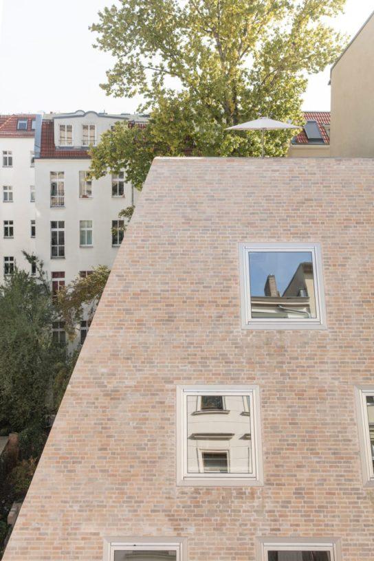 archaic_BarkowLeibinger_ApartmentHouse12-544x816.jpeg