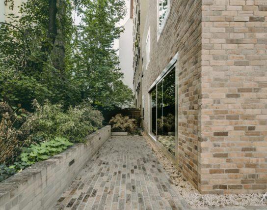 archaic_BarkowLeibinger_ApartmentHouse10-544x427.jpeg