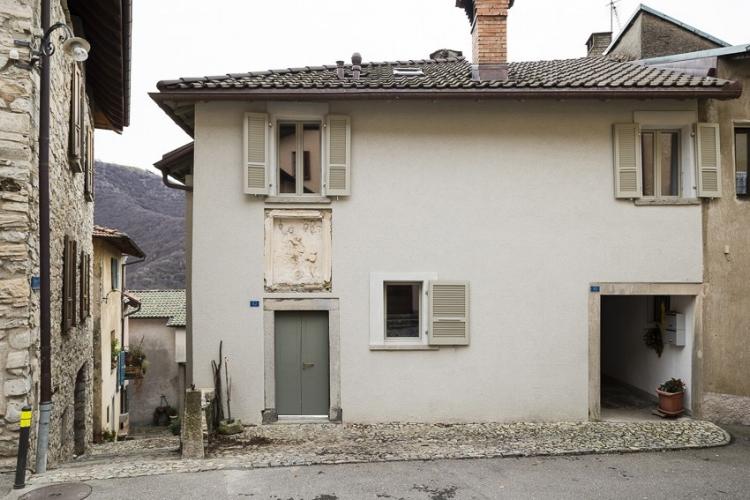 archaic_SergisonBates_Monte-Castel-San-Pietro1.jpg